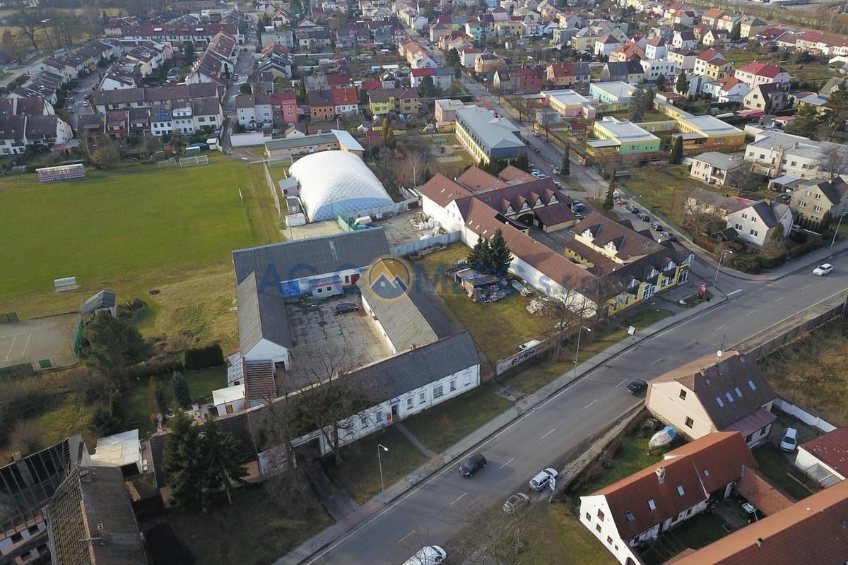 Prodej komerční nemovitosti 1863 m2, pozemek 3075, Mladé, České Budějovice